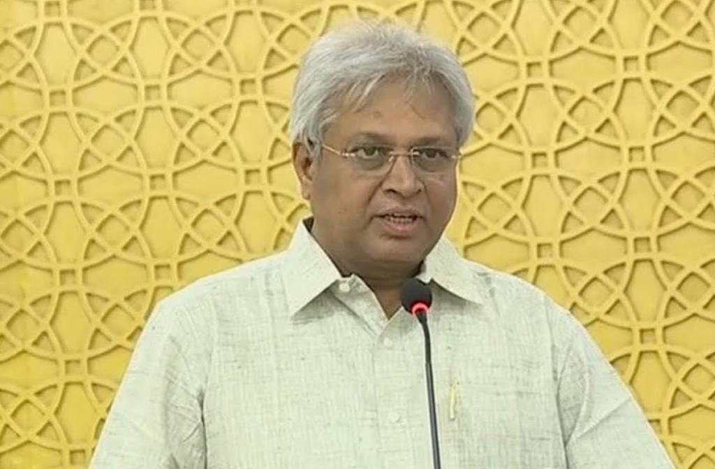 Vundavalli Upset For Not Getting Rajya Sabha?
