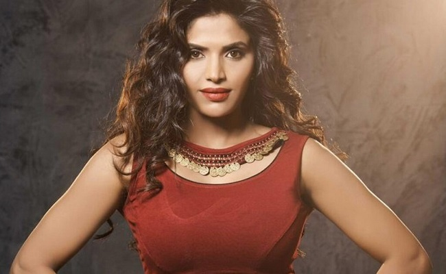 Director Recommending Actress to Bigg Boss